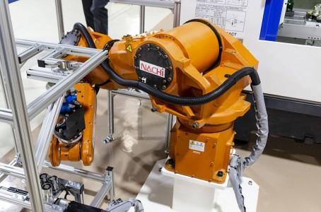 Miyawaki Machinery Demonstrates Seven-Axis Robots at Private Shows(1/2)