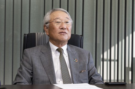 Industrial robot industry in a phase of change: Interview with Junji Tsuda, Chairman of YASKAWA Electric (2/2)