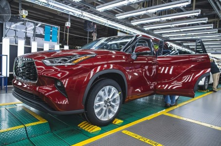 Toyota renovates US plant with 1.3 billion dollars