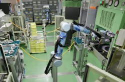 Auto parts maker to install 40 cobots in 3 years for washing